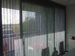 Duettes en Vertical strings gemonteerd in Nijmegen.